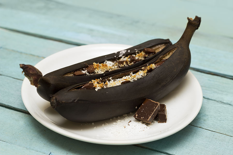 Fun and Healthy Camping Food: Grilled Banana Boat Sundaes